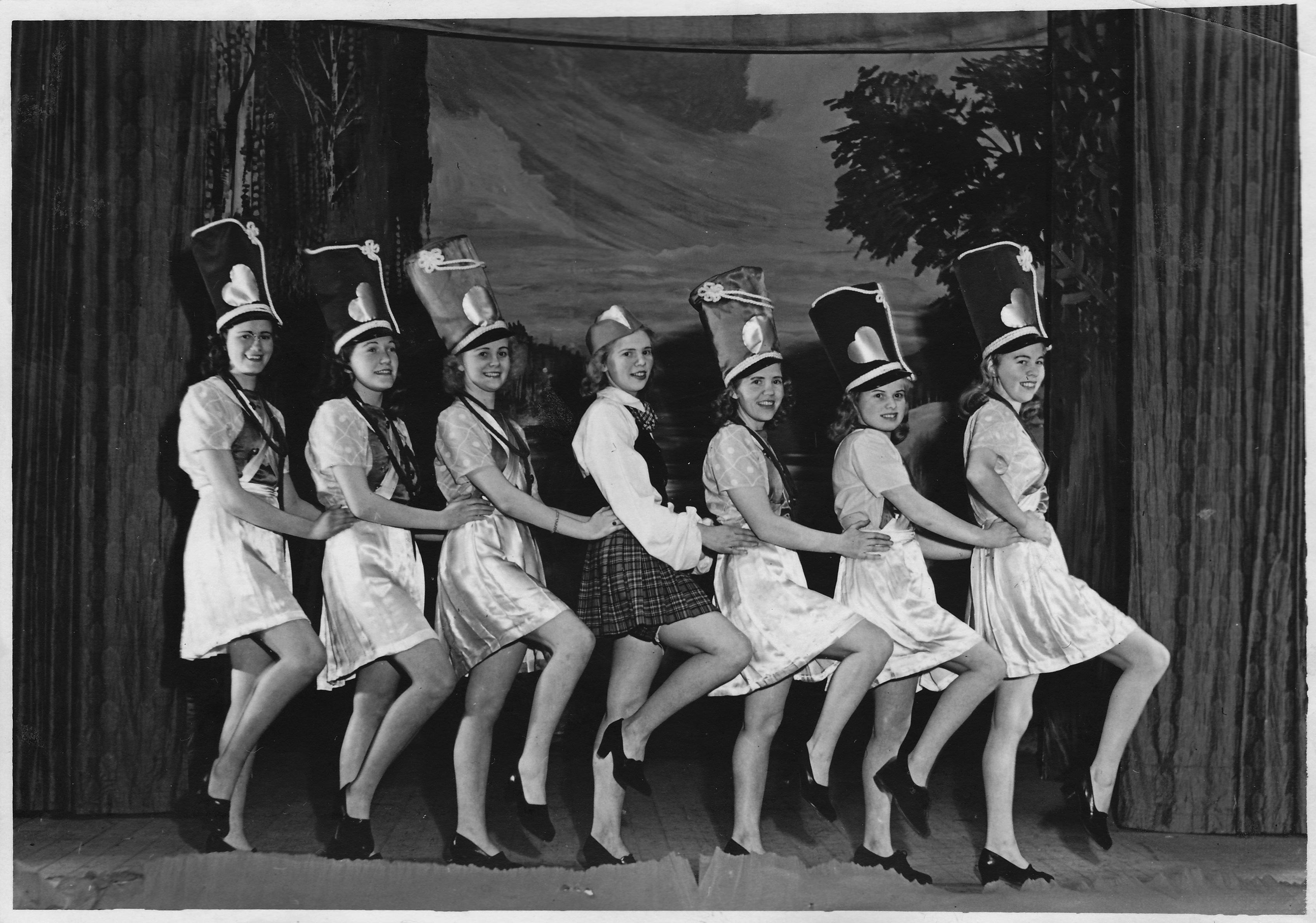 Högforsrevyn 1945 bensprattel