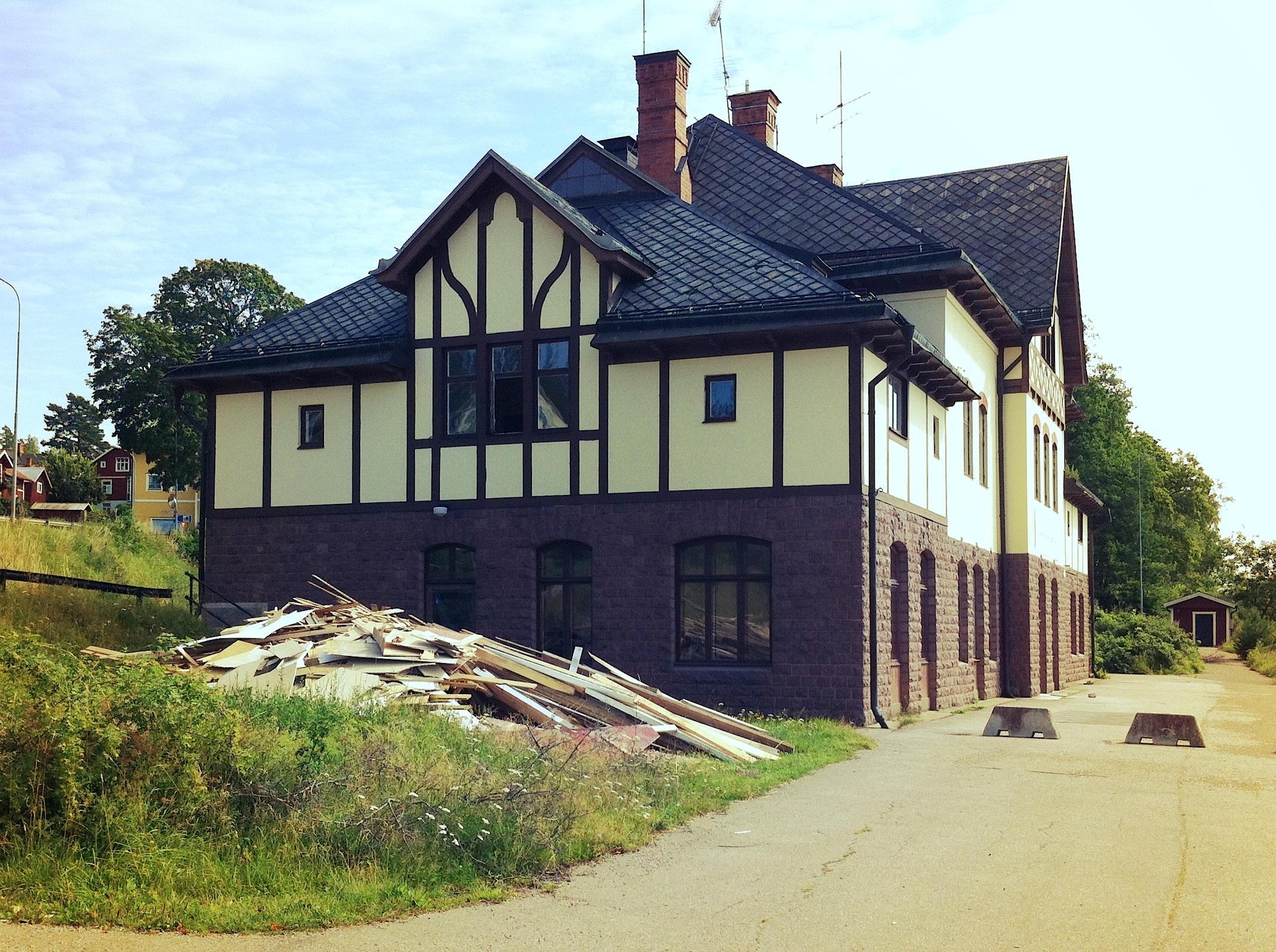 Stationshuset i Ängelsberg förstörs